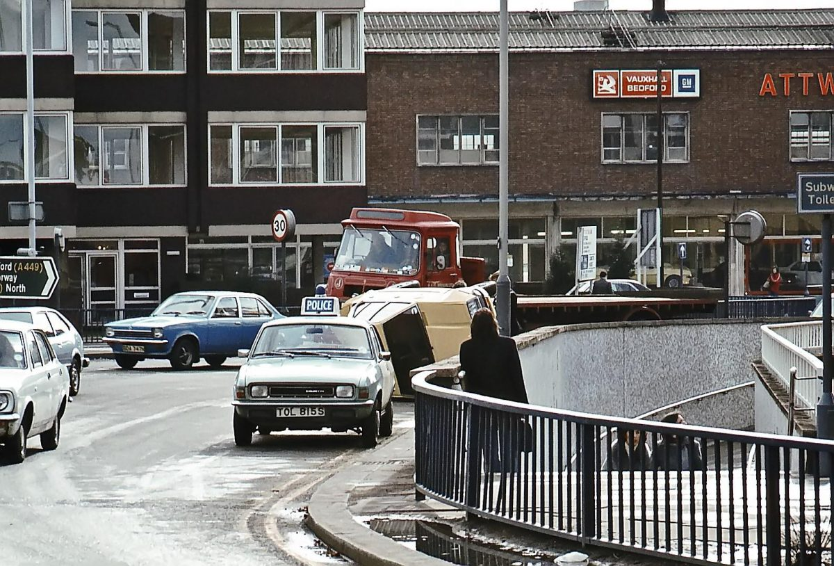 Wolverhampton-March-1979-Overturned-car-