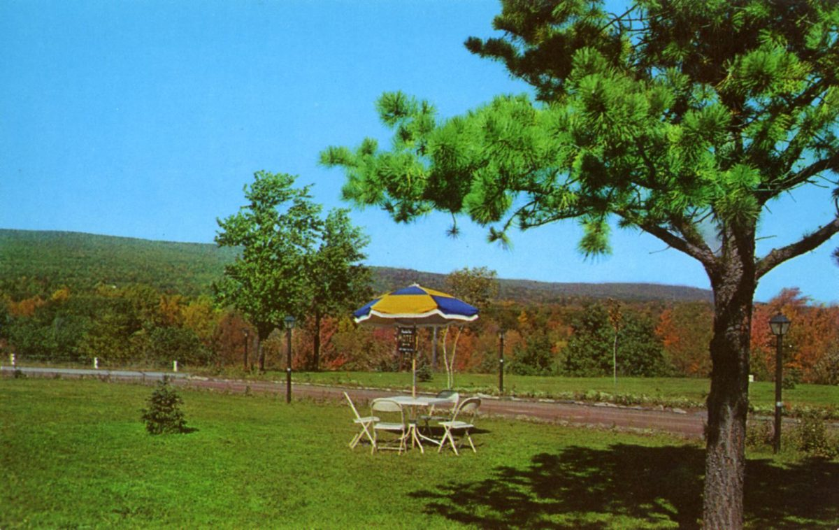 mountainview-motel-flaming-foliage-mt-pocono-pa