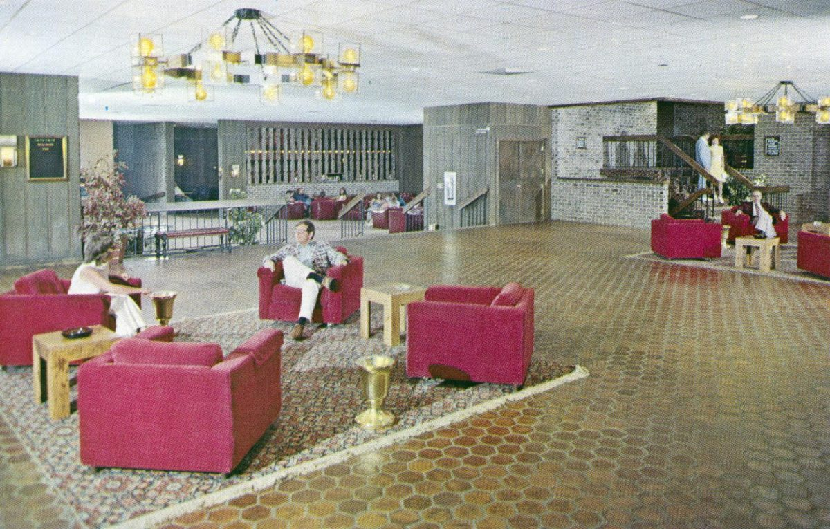 tamiment-resort-tamiment-pa-main-lobby