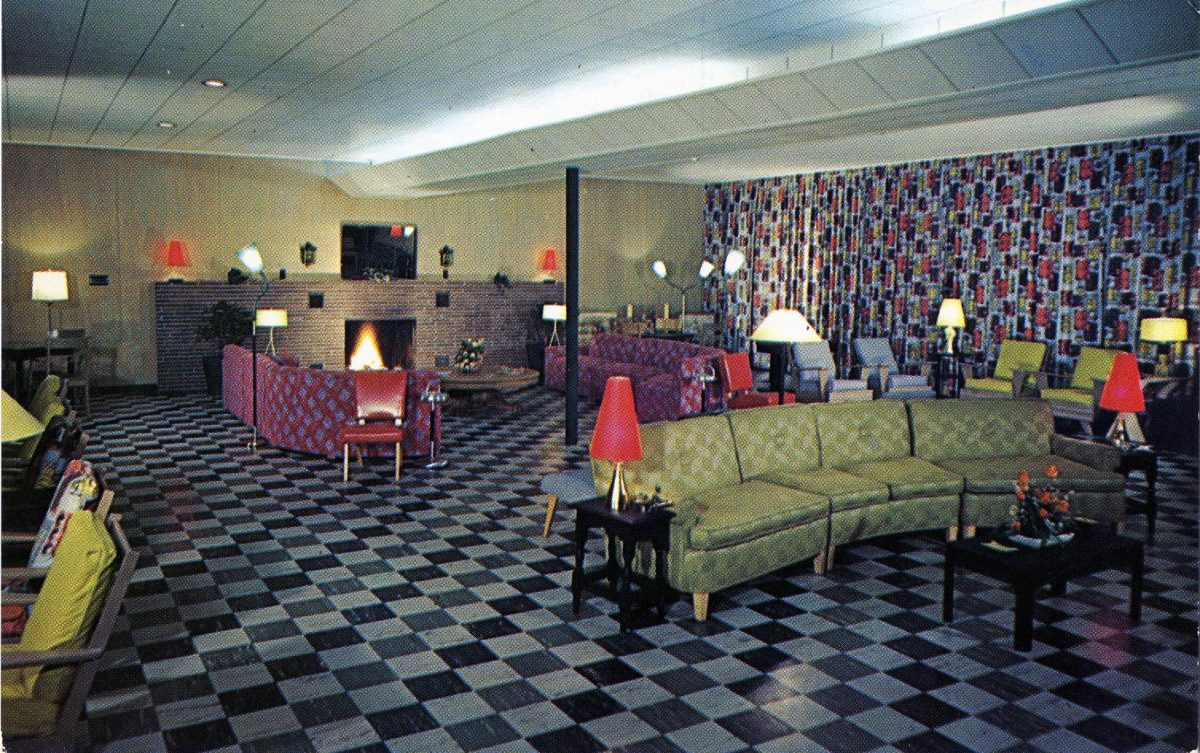 the-lounge-at-fernwood-in-the-poconos