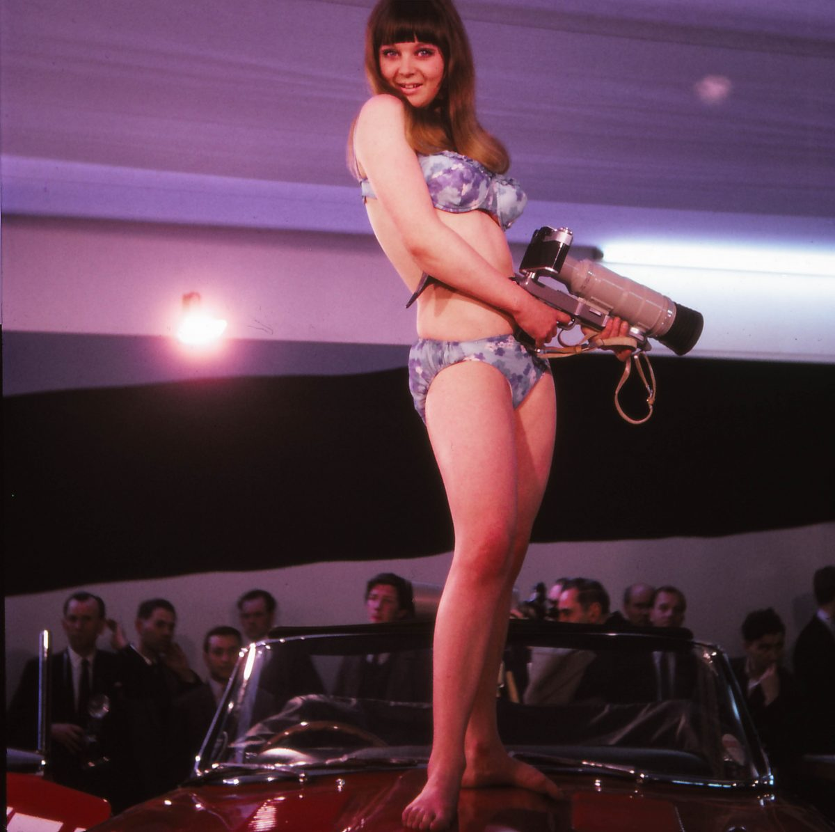 model-with-camera-london-1960s kodachrome