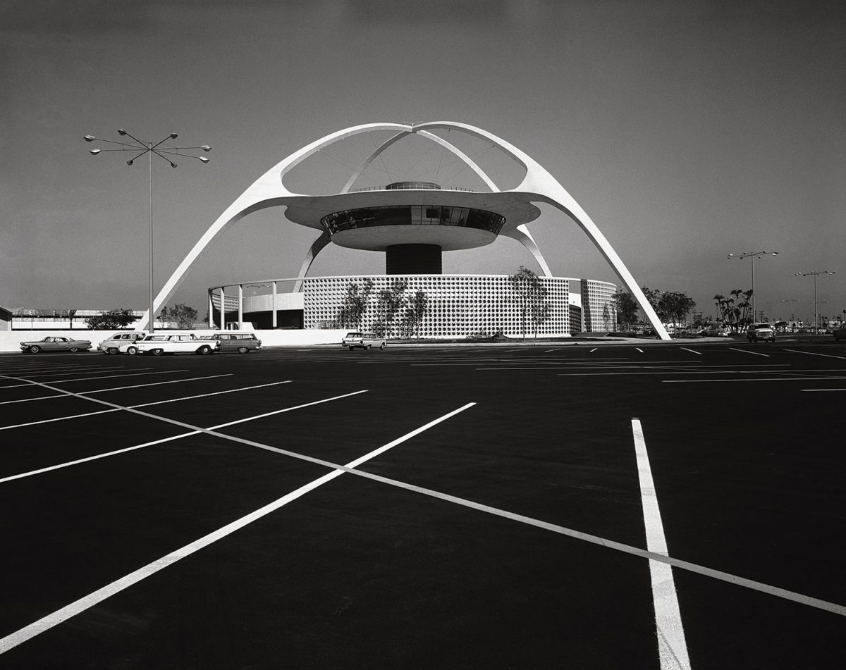 Pereira & Luckman, LAX Theme Building, Los Angeles, 1961.