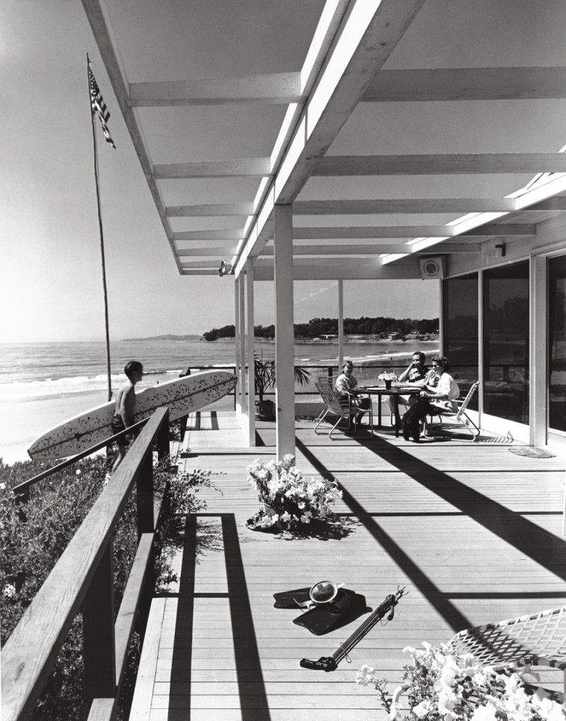 A Lutah Maria Riggs–designed house in Carpinteria, CA, shot by Rand in 1961.
