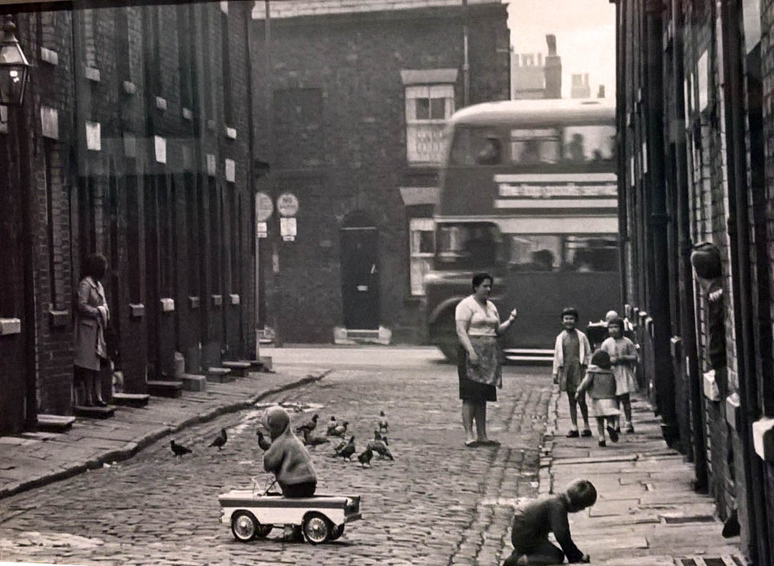 Manchester streets Hulme streets 1960s 1970s