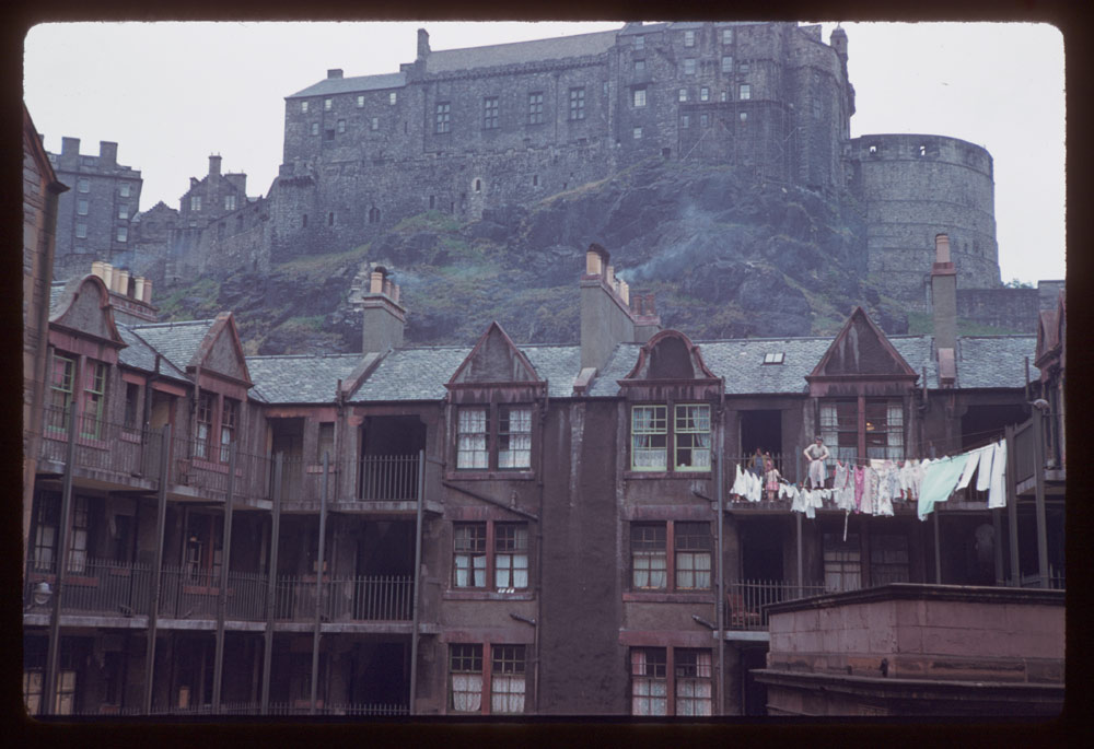 Jun. 17, 1961: Portsburgh Square below Edinburgh Castle