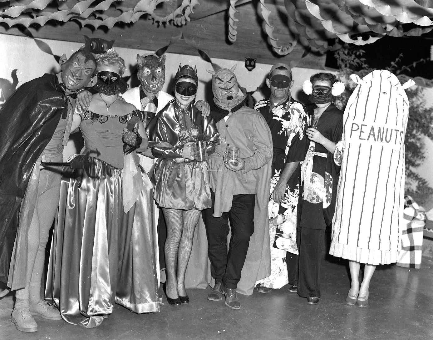 1950 Halloween Costume Ideas.Halloween Party Yesteryear 20 Found Photos From The 1950s 1980s