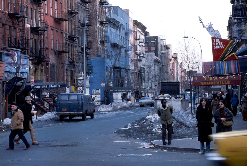 ST. MARK'S PLACE / 2nd. AVE US 277a Manhattan. NY 1978