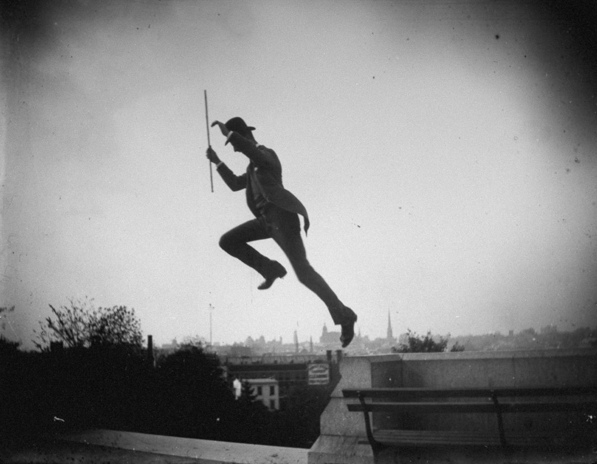 Oct. 14, 1886 Mr. Stokes jumps off a wall in Fort Greene Park.