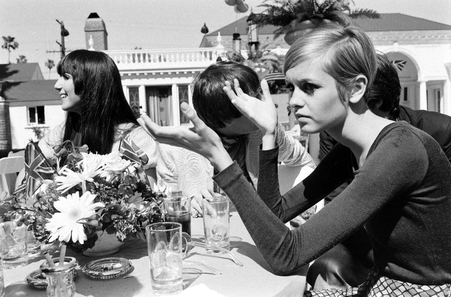 Twiggy With Sonny And Cher Left In Beverly Hills 1967