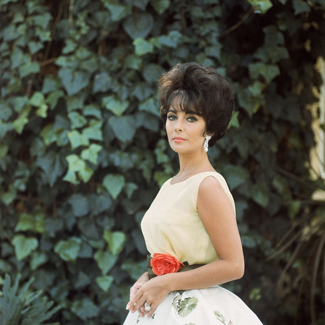 Elizabeth Taylor in Yellow with Ivy, Side 1', 1961, Mark Shaw © Mark Shaw : mptvimages.com