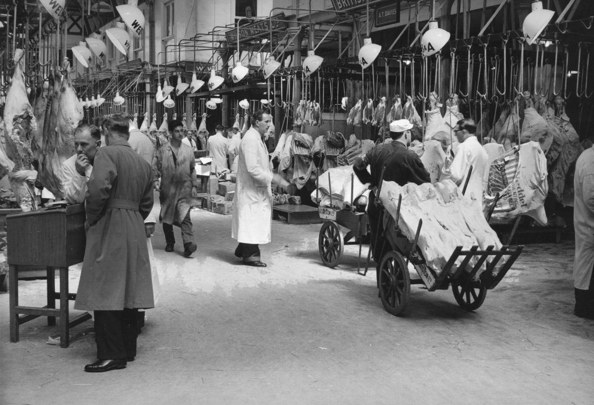 Central_markets__West_Smithfield__City_of_London__1953_(c)_Edwin_Smith__RIBA_Library_Photographs_Collection
