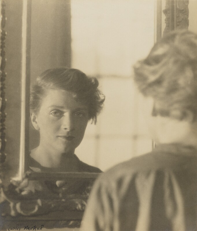 Dame Gladys Cooper by Curtis Moffat chlorobromide print, 1925