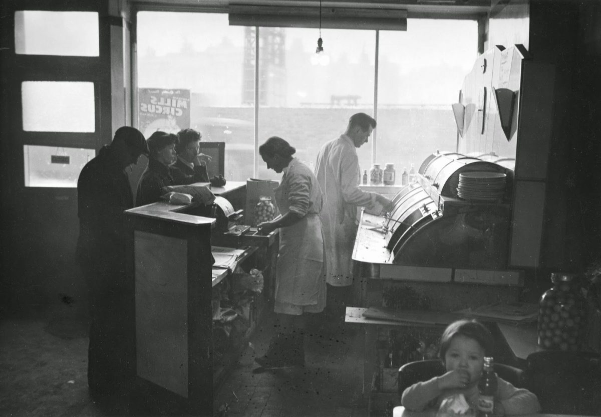 Edwin Smith, 'Ideal' fish & chip shop, London, 1958