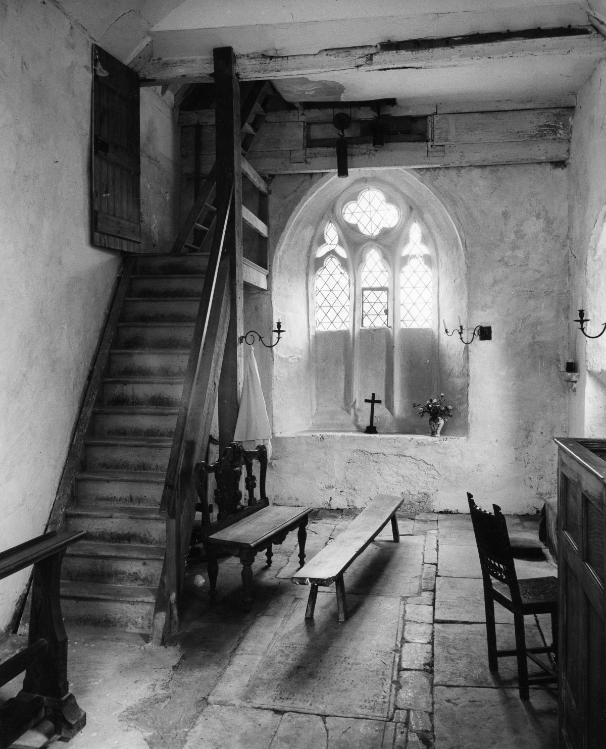 St_Lawrence__Didmarton__Gloucestershire__1962_(c)_Edwin_Smith__RIBA_Library_Photographs_Collection