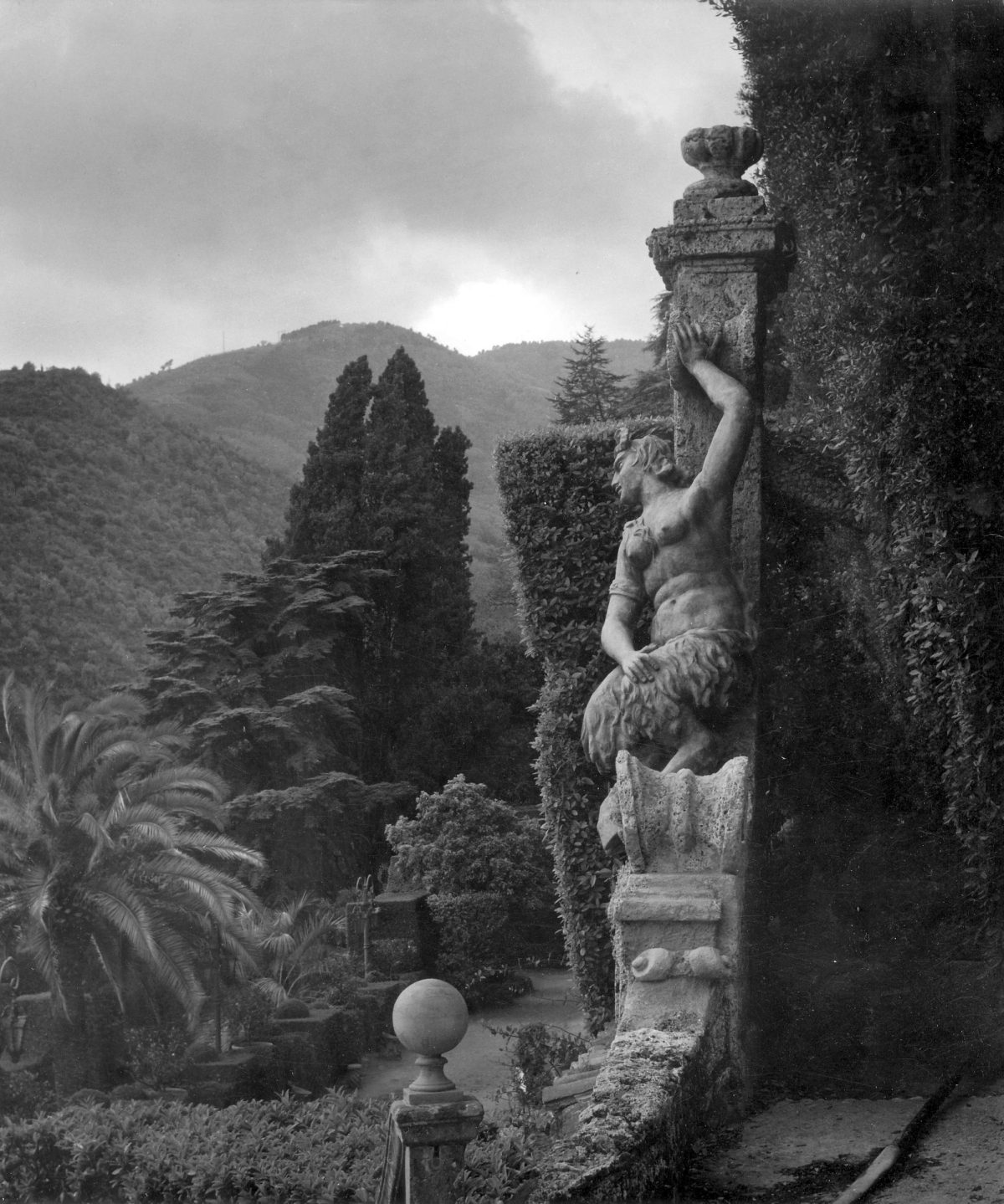 Villa_Garzoni__Collodi__Tuscany_1961_(c)_Edwin_Smith__RIBA_Library_Photographs_Collection