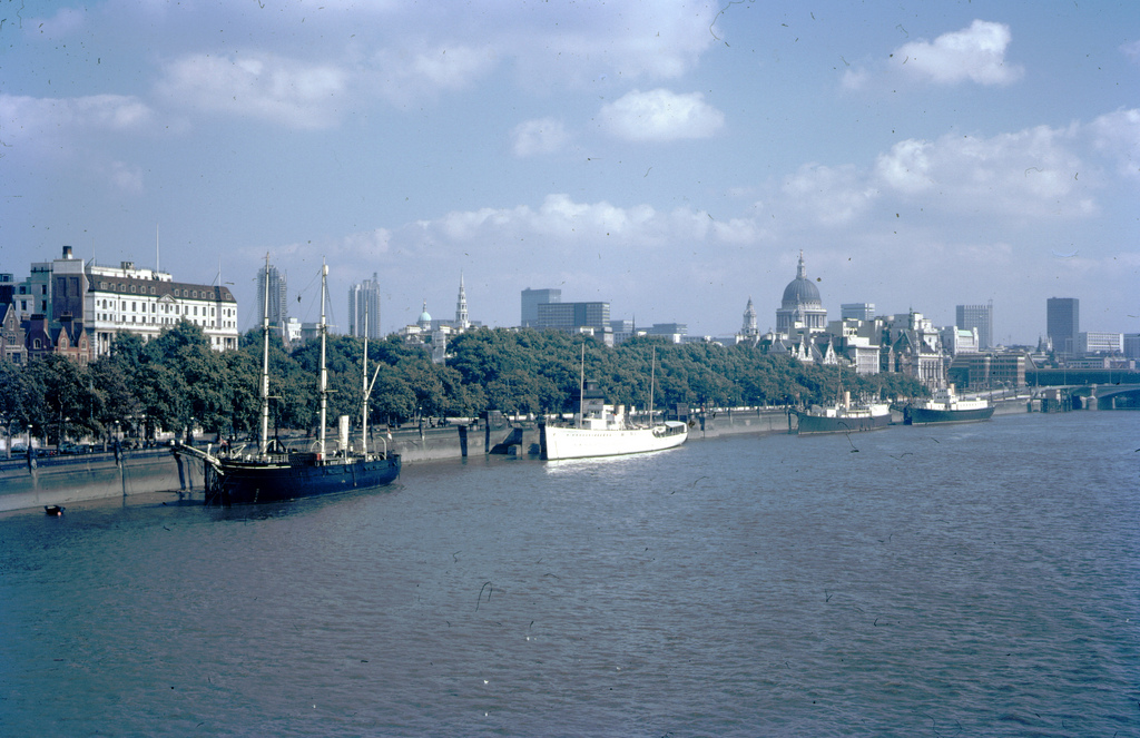1969 THAMES RIVER Thames River, London, England