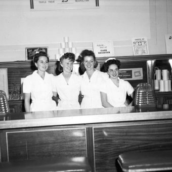 An Afternoon At Currie's Ice Cream Store – Los Angeles 1946