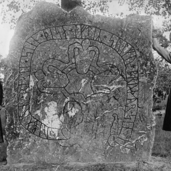 41 Fabulous Old Photographs of Ancient Rune Stones in Sweden