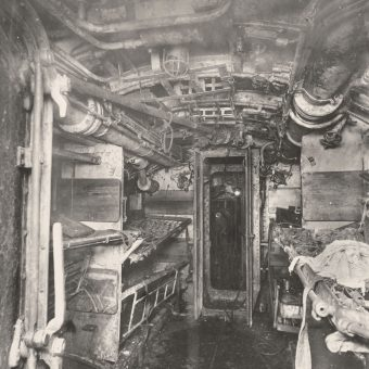 Extraordinary Photographs of a Captured WW1 U-Boat Submarine (1918)