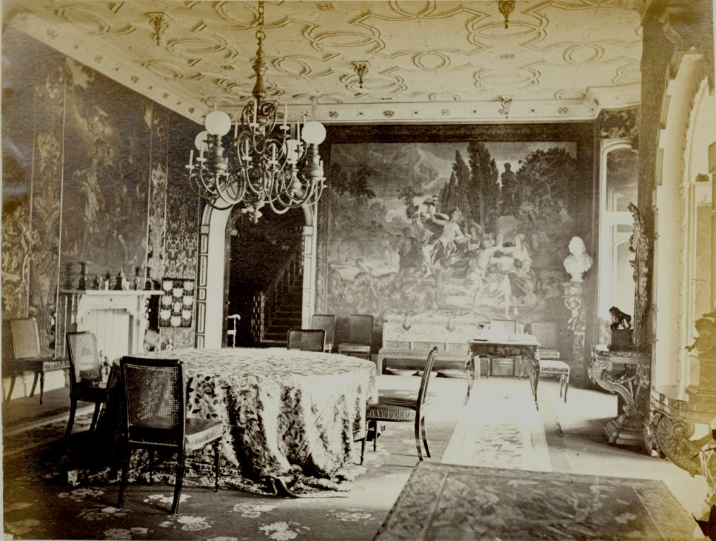 holland-house-breakfast-room-1880s