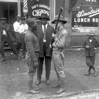 Exactly 100 Years Ago – Extraordinary Pictures of the Chicago Race Riots of 1919