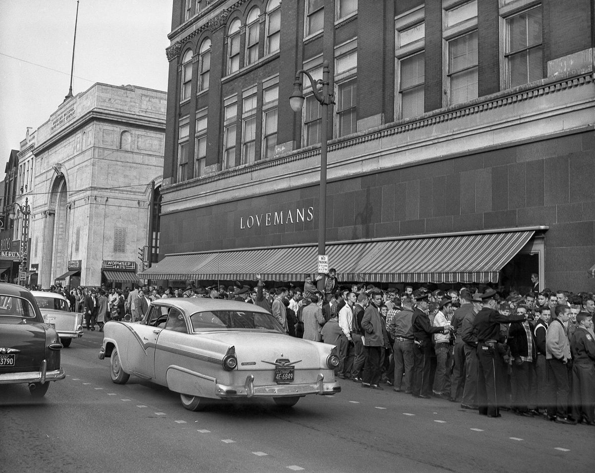 February 1960 Chattanooga sit-ins Courageous high schoolers take on angry mobs and fire hoses