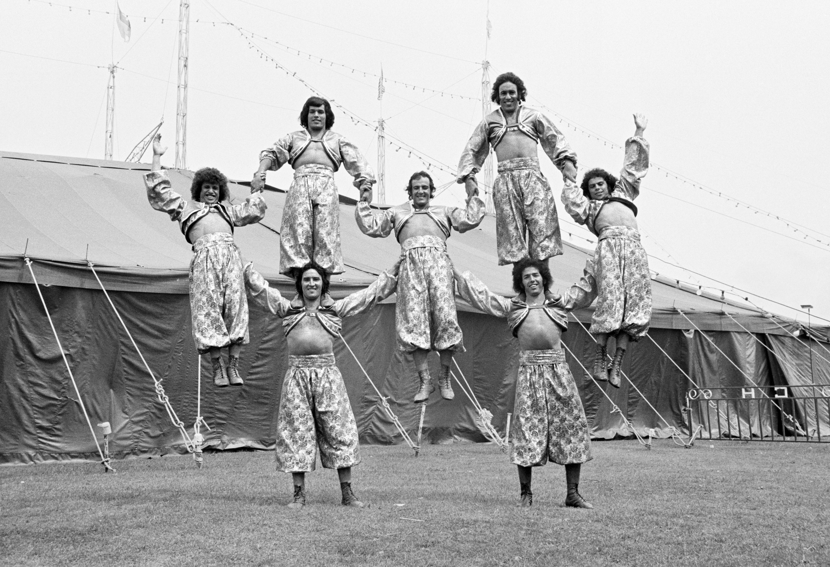 Tanger Troupe, Circus Hoffman, Plymouth, August 1974, from the Free Photographic Omnibus