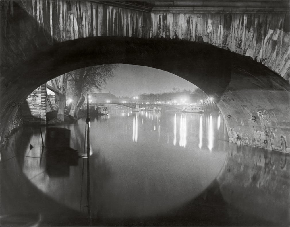 View through Pont Royal toward Pont Solferino, 1933