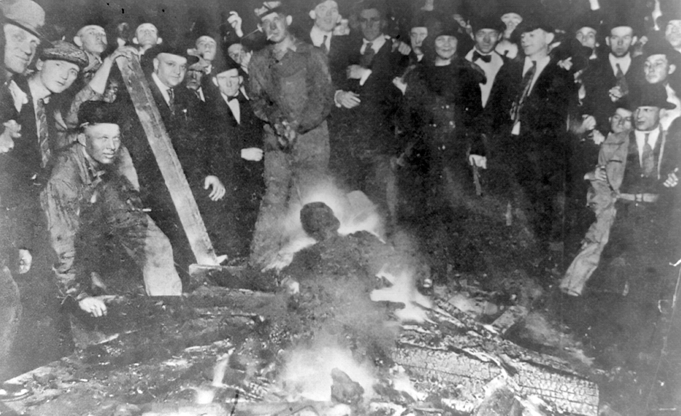 The charred corpse of Will Brown after being killed, mutilated and burned. The burning of William Brown, Omaha, Neb., Sept. 28, 1919.