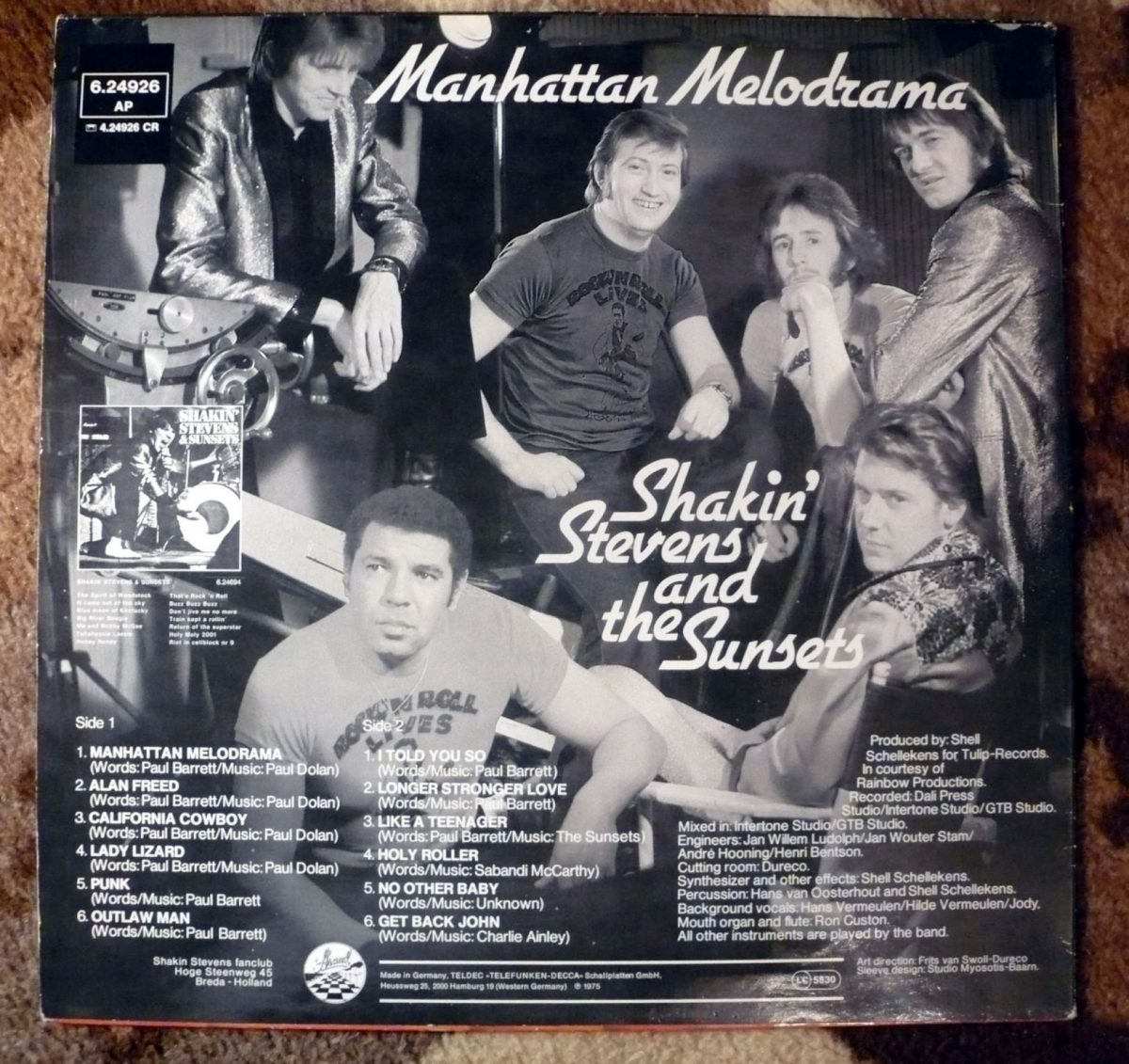 A group image of Shaky and The Sunsets from the same 1973 session appeared on the back cover of their second album Manhattan Melodrama, released a couple of years later.