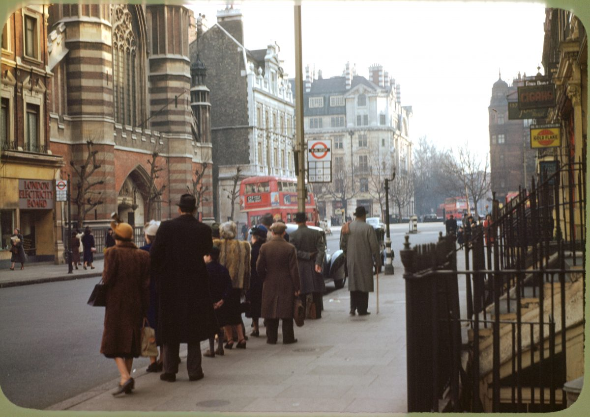 London_,_bus_stop_,_circa_1949_,Kodachrome_by_chalmers_Butterfield
