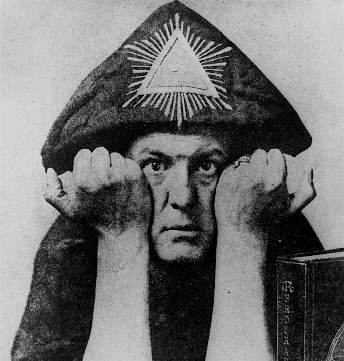 Aleister Crowley, occult, magic