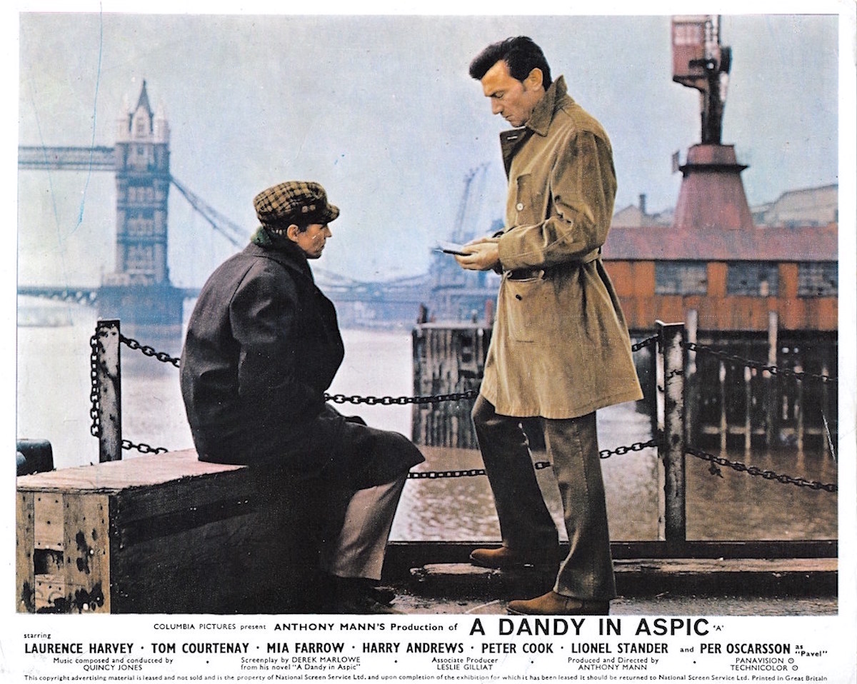 A dandy in aspic, Anthony Mann, Derek Marlowe, Laurence Harvey