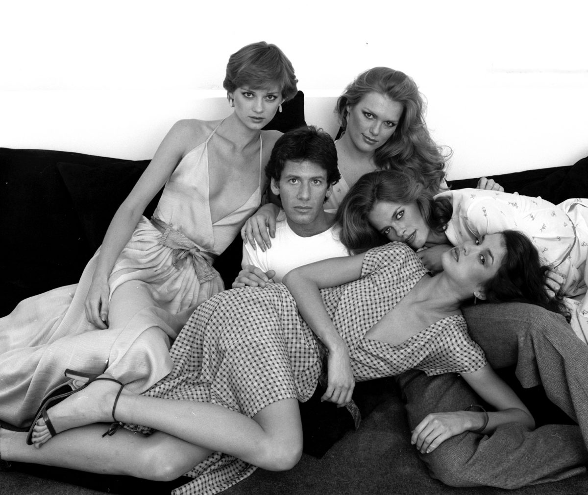 Calvin Klein with Shaun Casey, Patti Hansen, Lisa Taylor and Janice Dickinson, New York, 1978 harry benson