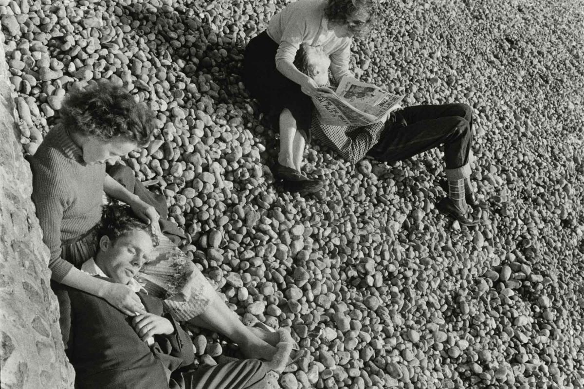 Couples on Beach, Brighton, England, 1960 Bruce Davidson