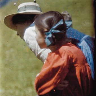 The Astonishing Cinematic Autochrome Photography of Heinrich Kühn