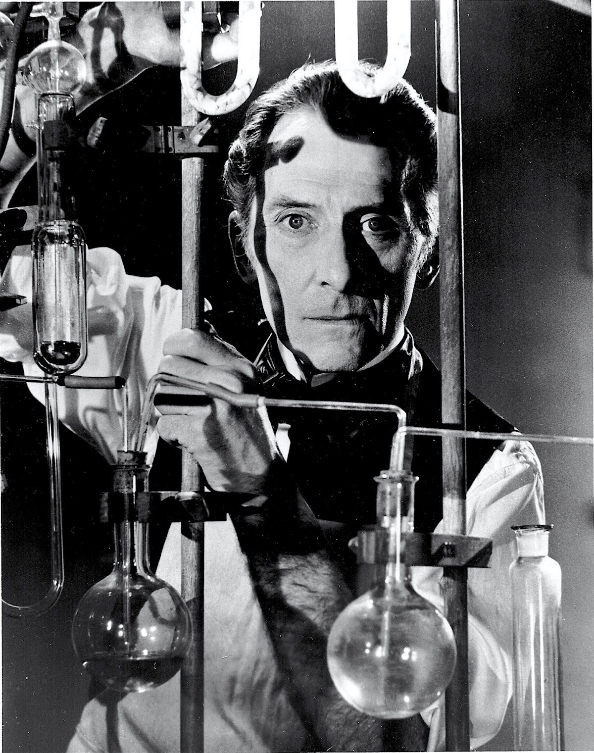 Peter Cushing, Frankenstein Must be Destroyed