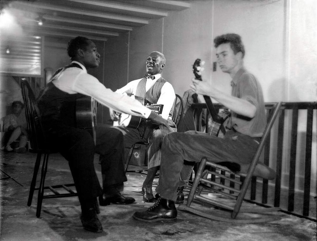 Lead Belly playing with other folk musicians