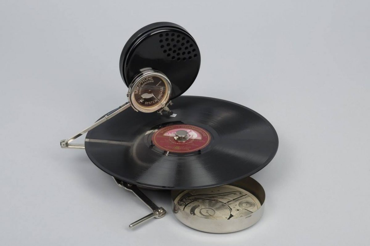 Mikiphone portable phonograph