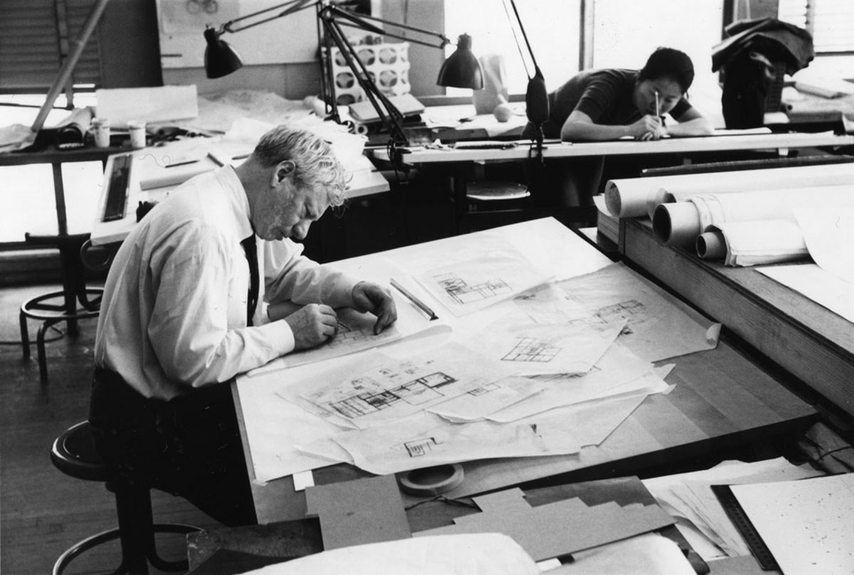 Louis Kahn at work in his studio in 1961. (Louis I. Kahn Collection / University of Pennsylvania)