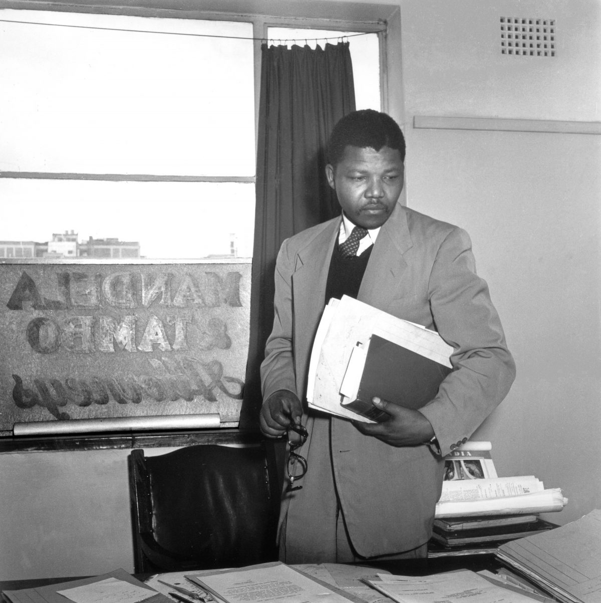 Jurgen Schadeberg, Nelson Mandela, office, South Africa