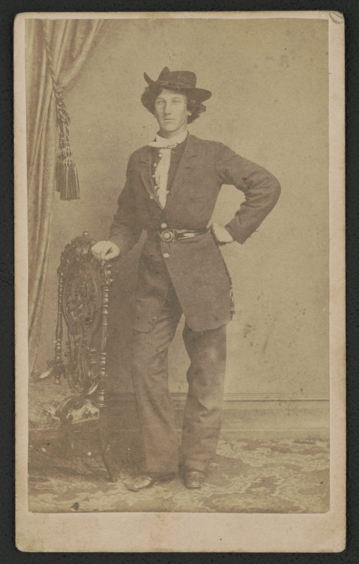 Captain Edward D. Bean of Co. C, 2nd New Hampshire Infantry Regiment in uniform - c. 1861