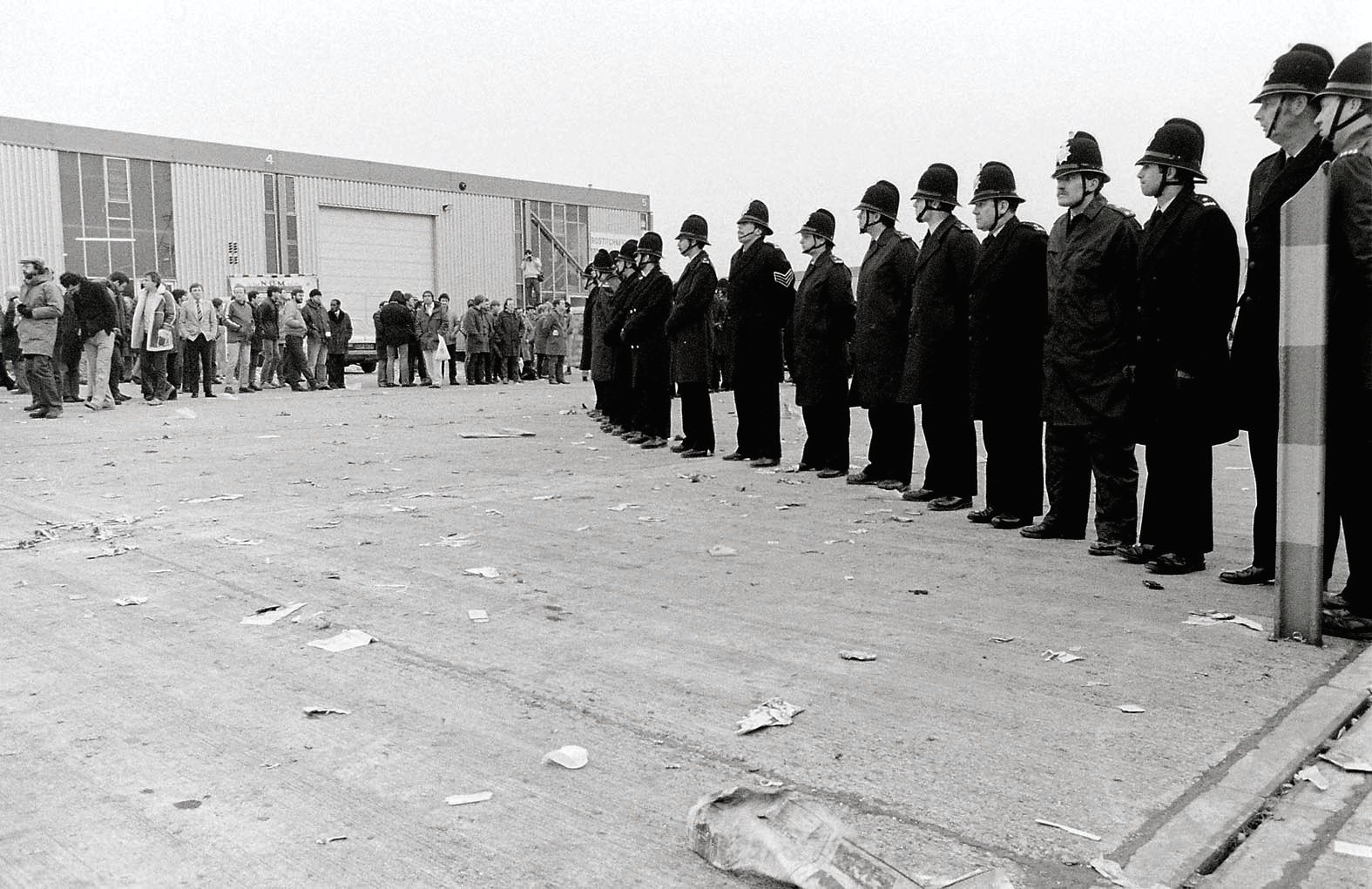 Police outside Eddie Shah's Warrington Messenger, '84