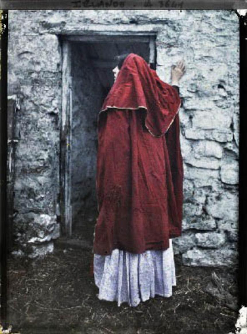 Madeleine Mignon and Marguerite Mespoulet Ireland 1913 Colour photograph woman in red