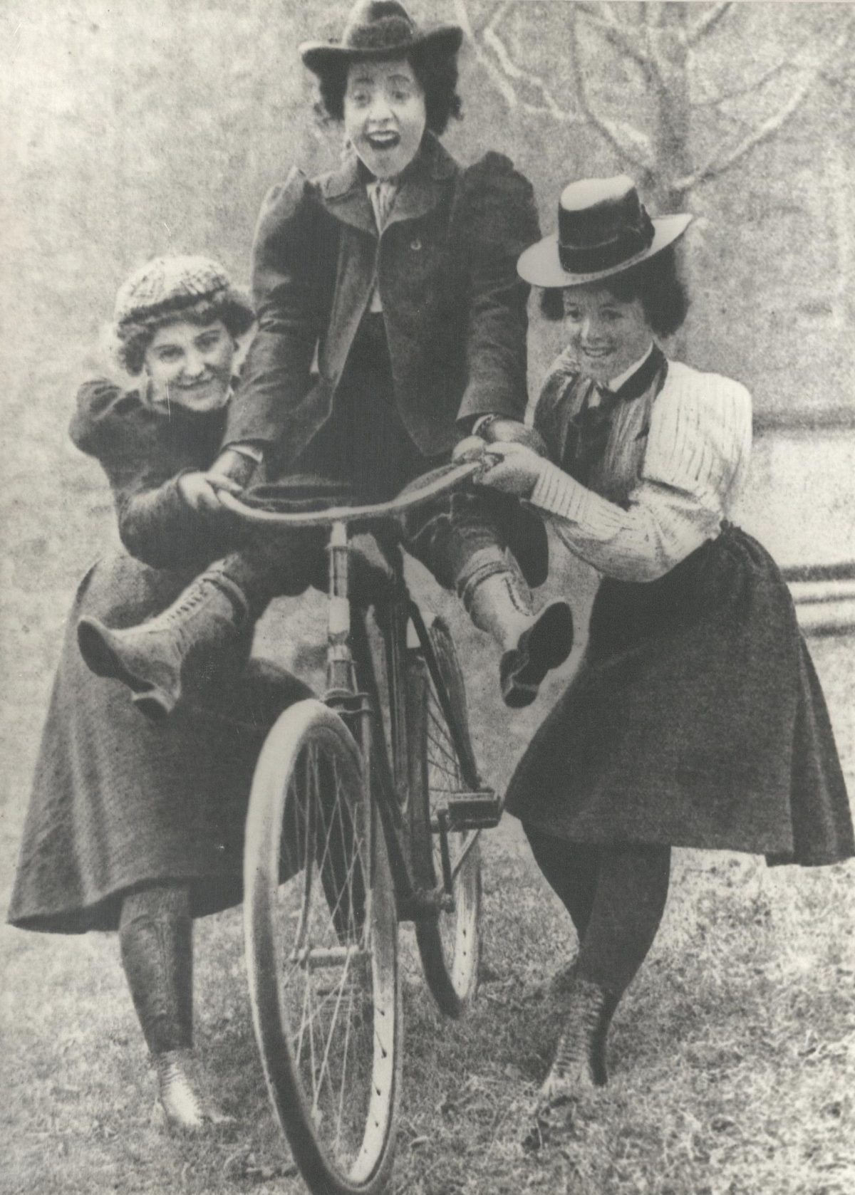 Bicycles women victorian