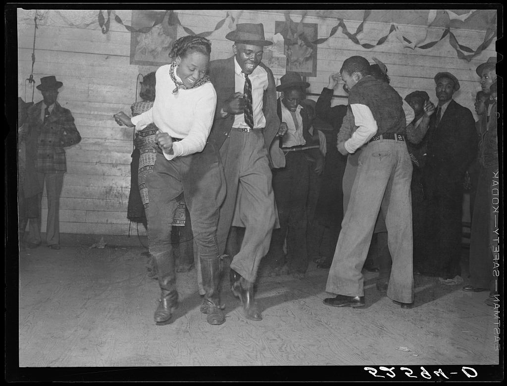 Jitterbugging in Negro juke joint, Saturday evening, outside Clarksdale, Mississippi Contributor Names Wolcott, Marion Post, 1910-1990, photographer Created / Published 1939 Nov.