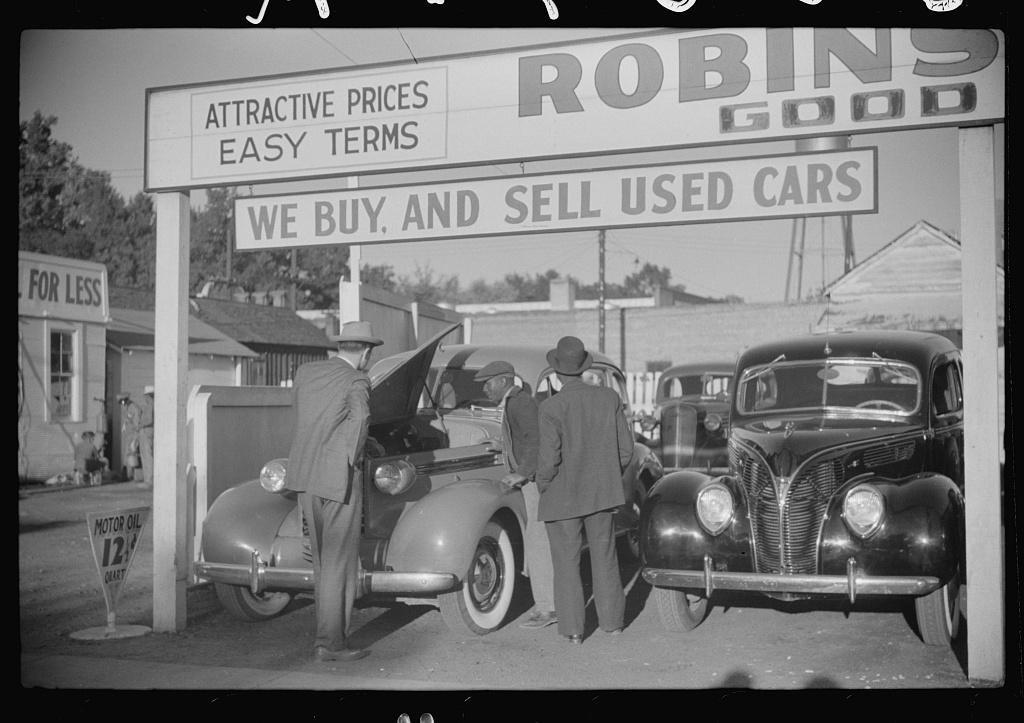 Used car lot, Clarksdale, Mississippi Delta, Mississippi. Big sales go on after cotton picking season to get the money cotton pickers have made. Many of the pickers buy new or used cars with their cotton money Contributor Names Wolcott, Marion Post, 1910-1990, photographer Created / Published 1939 Oct