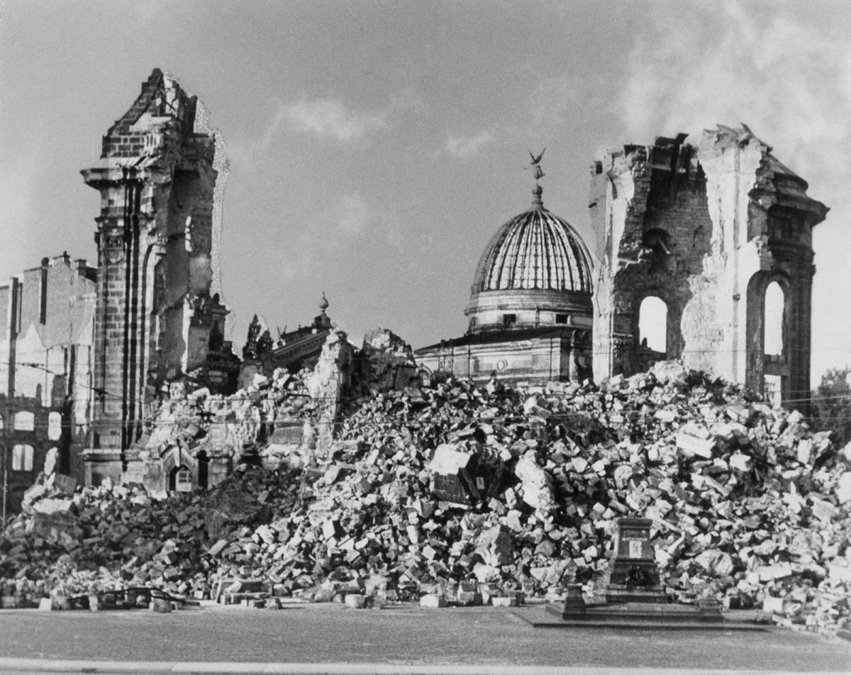 Dresden fire bombing 1945