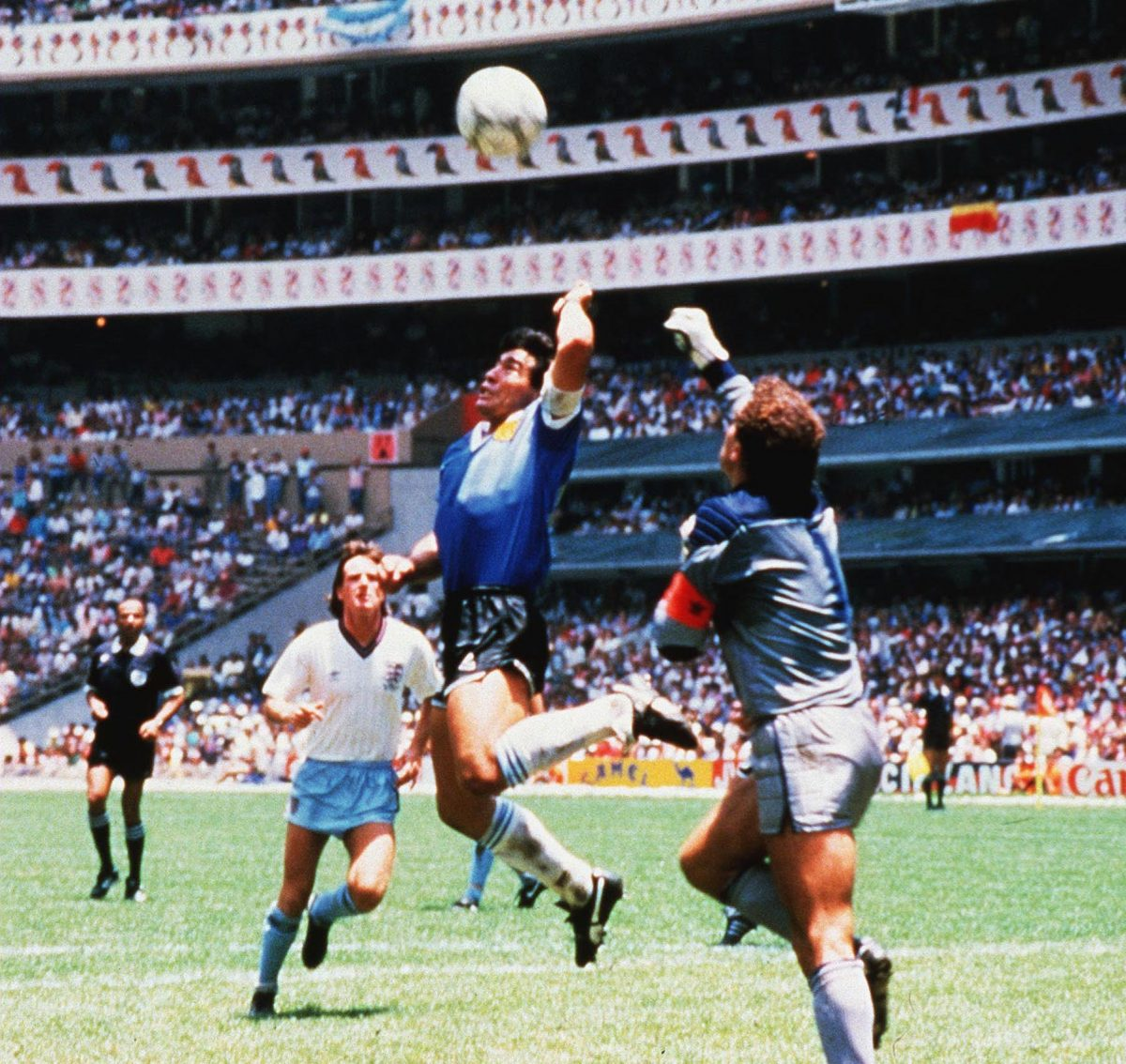 1986 World Cup - Quarter Final - Argentina v England - Mexico City - 22 Jun 1986. Diego Maradona scoring the 'Hand of God' goal 22 Jun 1986