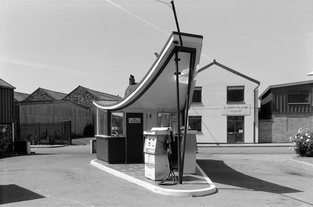 Garage, Oxford St, Wincolmlee, Hull, 1988